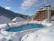 ПИК Отель, вид со стороны бассейна зимой